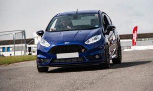 Ochrona wnętrza auta – dywaniki samochodowe