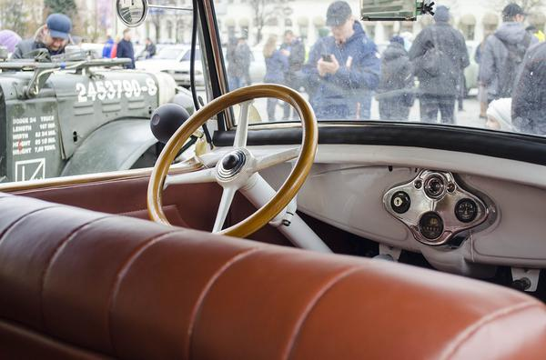 renowacja kierownicy skórzanej