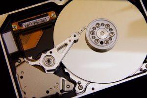 Odzyskiwanie danych z dysków i pamięci przenośnych