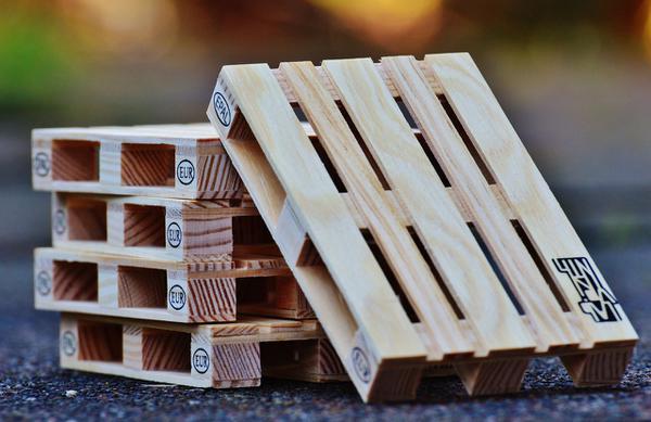 trwałe palety drewniane