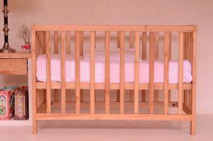 Komfortowe białe łóżeczka