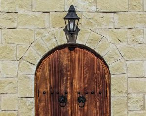Gdańskie drzwi zewnętrzne do domu